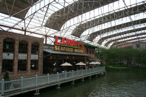 landry s seafood house exterior picture of landry s seafood house saint louis tripadvisor