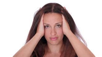 dolori forti alla testa mal di testa e nausea da ciclo i consigli della
