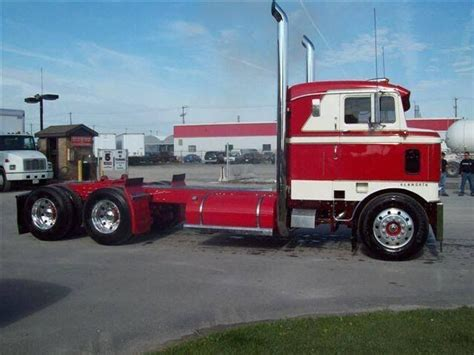 old kw trucks old red n white kenworth cabover trucks we think are