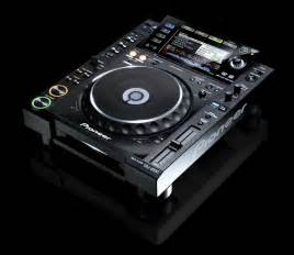 dj decks pioneer pioneer announces the new cdj 2000 cdj 900 players