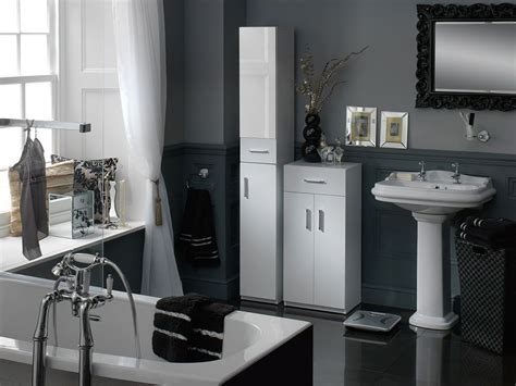 Black White And Silver Bathroom by Sleek Black White And Silver Bathroom Design And