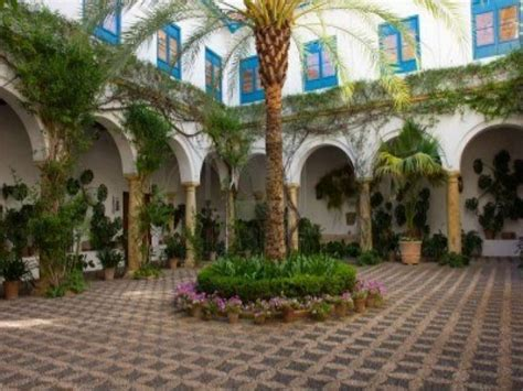 Small Mediterranean House Plans courtyards