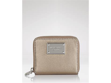 Michael Kors Small Wallet 3 michael kors michael jet set small zip around wallet in brown lyst