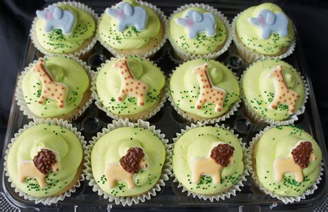 jungle baby shower cupcakes safari baby shower cupcakes last week i made a safari