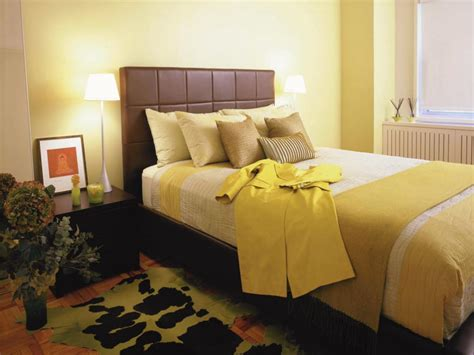 Is Yellow A Color For A Bedroom by Master Bedroom Color Combinations Pictures Options