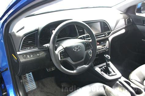 Hyundai Elantra 2015 Interior by 2016 Hyundai Elantra Interior At 2015 Dubai Motor Show