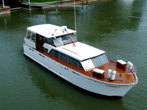 boat brokers harrison township mi 1960 chris craft constellation great condition power boat