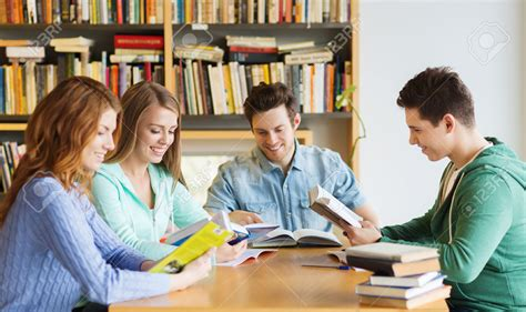 pictures of students reading books of reading books www imgkid the image