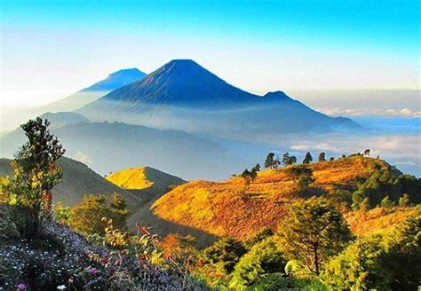 gunung prau tempat  indah  romantis