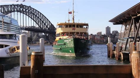 ferry boat docking ferry boat docking at sydney city harbour youtube
