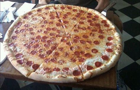 big mamas and papas pizza challenge 30 quot pizza challenge at luigi s at the i bet you won t