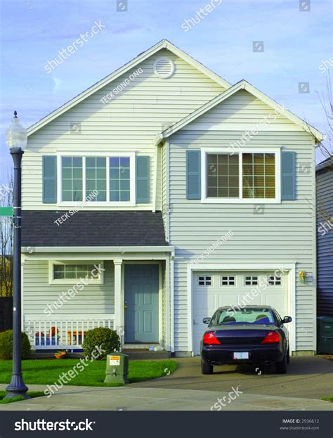 10 car garage main house pricey pads front view house car parking front stock photo 2936612