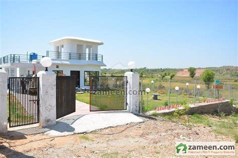 House With A Wrap Around Porch islamabad farm houses rawalpindi zameen com