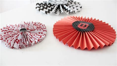 How To Make Paper Wheel Decorations - how to make paper wheel decorations for