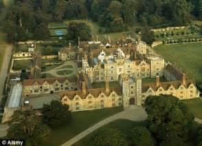 good Downton Abbey Mansion #5: article-1322970-0BB624C2000005DC-620_468x337.jpg
