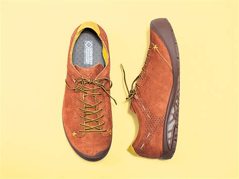 comfortable travel boots finally a comfortable travel shoe that doesn t look