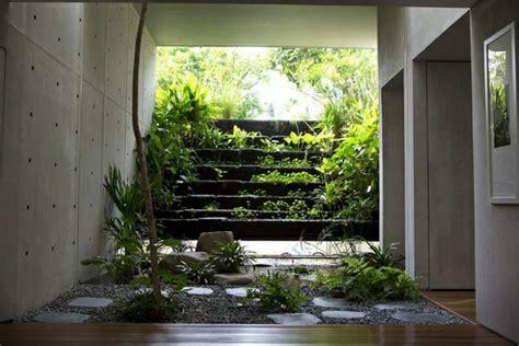Bow Window Roof jardin d int 233 rieur un oasis au c ur de la maison ideeco