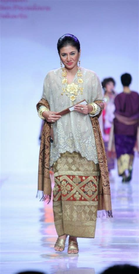 Baju Bodo Muslim 490 best images about asian fashion on traditional dresses and churidar suits
