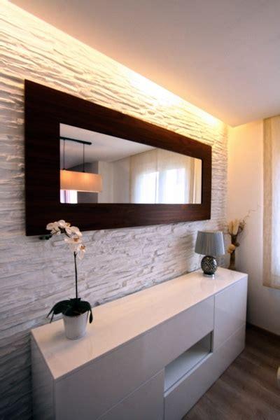 foto mueble auxiliar del comedor  pared decorativa