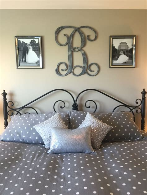 Bedroom Wall Frame Decor by 25 Best Ideas About Monogram Above Bed On