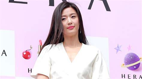 Model Rambut Jun Ji Hyun by Til Elegan Jun Ji Hyun Bikin Terpukau Di Pemotretan Ini