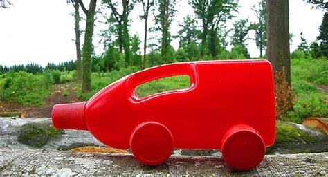 como hacer carrito con material reciclable juguetes como hacer un juguete educativo con material reciclable