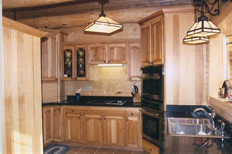 kitchen cabinets lincoln ne 94 best hickory cabinets images on pinterest