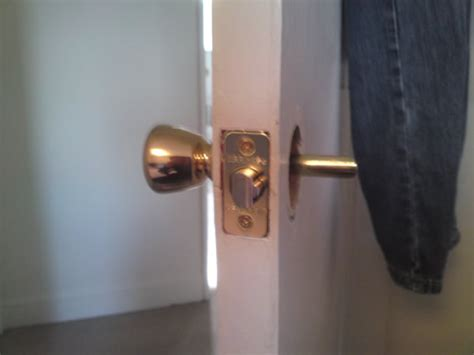 Broken Door Knob by Broken Door Latch Doityourself Community Forums