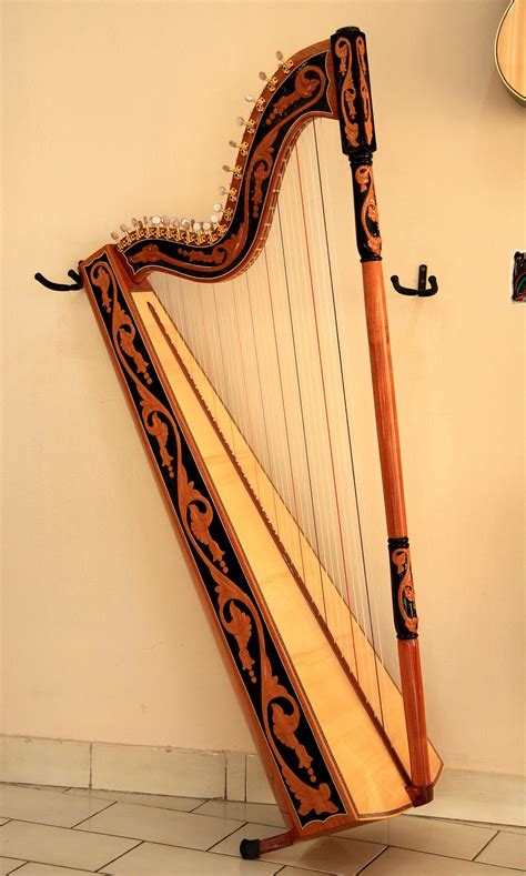 what is a l harp arpa paraguaiana