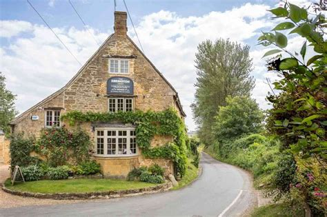 Cotswolds Cottages To Rent Breaks by Cottage To Rent In Ebrington Character Cottages