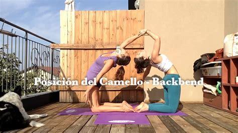 imagenes de yoga faciles partner yoga yoga en pareja 7 easy beautiful and funny