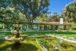 Spanish Ranch House Plans Annie Potts Puts Colorful Spanish Style Ranch On Market