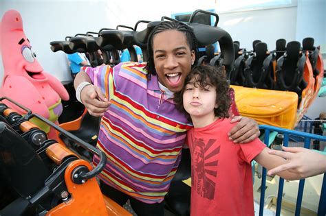alex wolff nickelodeon lil jj photos photos nickelodeon and mall of america