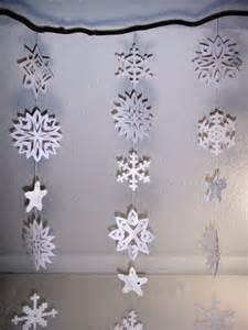 schneeflocken dekoration schneeflocken fenster dekoration ideen schule