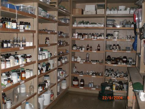 room shop file chemical store room differentangle 002 jpg