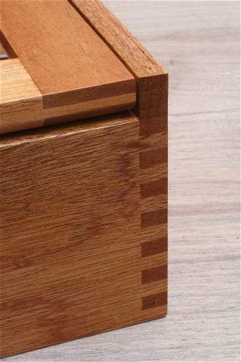 Lem Ultra Phaethon merk lem kayu untuk finger joint crossbond untuk kekuatan