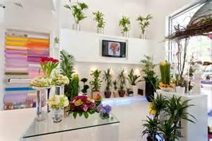 flower tips and trends from 800 flower dubai arabia weddings