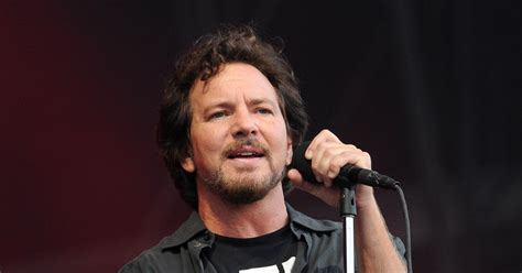eddie vedder hear eddie vedder and cover batman theme