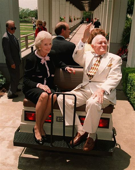 bob hope s wife obituary photos honoring dolores hope tributes com