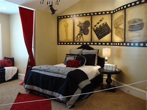 movie theater themed bedroom teen girl s movie bedroom i need this diy crafts