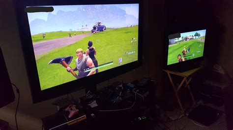 fortnite on ps4 fortnite briefly features ps4 and xbox one cross platform