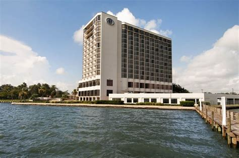 Of Houston Clear Lake Mba Reviews by Book Houston Nasa Clear Lake In Nassau Bay Hotels