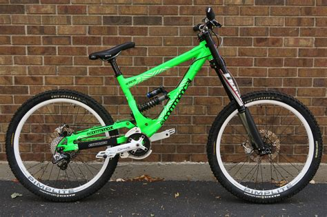 commencal supreme dh 2010 2011 commencal supreme dh v2 altitude bicycles