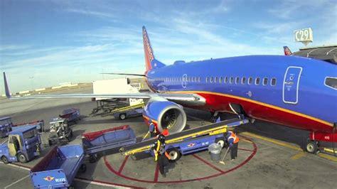 south west airlines r agent denver southwest r harlem shake youtube
