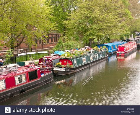 house boats to buy london houseboats and narrow boats in little venice paddington