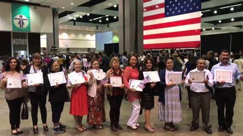 certificado de ciudadania americana juramento agosto 2017 ceremonia de ciudadania youtube
