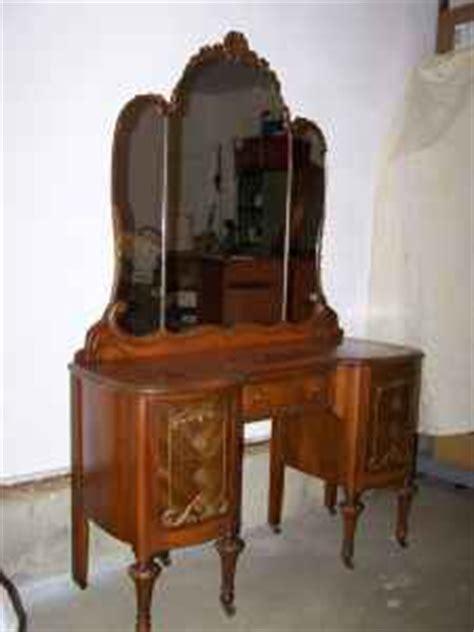 bedroom furniture lansing mi 1000 images about vanity s for bekah on pinterest