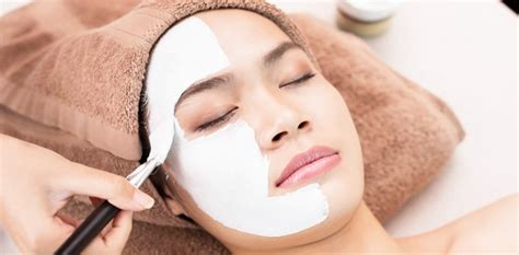 tutorial facial at home wardah how to do skin whitening facial at home step by step