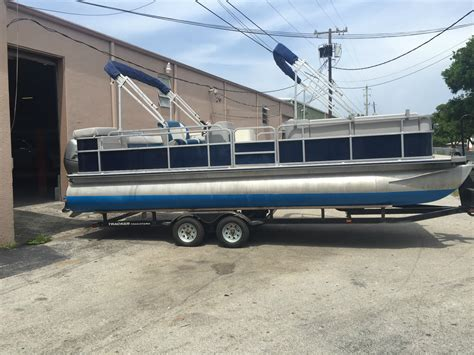 usa pontoon bentley pontoon 2005 for sale for 15 800 boats from usa