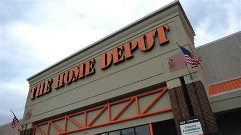 Home Depot Naperville by Goat Inside Car In Home Depot Parking Lot 171 Cbs Chicago
